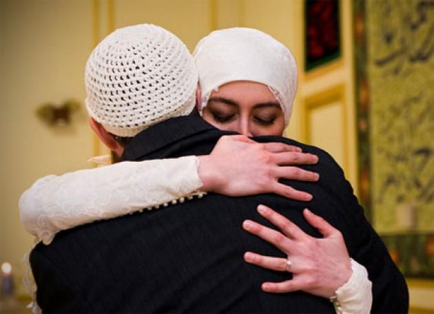 manfaat memeluk pasangan, manfaat memeluk suami, manfaat memeluk istri,