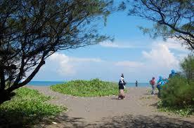 pantai gua cemara bantul, wisata pantai jogja, wisata alam jogja, wisata terbaru di Jogja, wisata tersembungyi di Jogja, tempat romantis di Jogja,