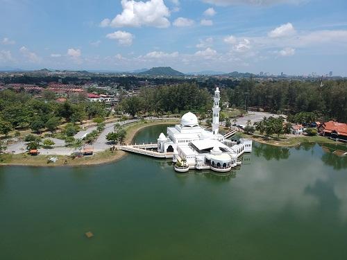 gambar pemandangan masjid putih, gambar pemandangan masjid indah, gambar pemandangan masjid keren, gambar pemandangan masjid kuba, gambar pemandangan masjid mewah, gambar pemandangan msjid keren, gambar pemandangan masjid di atas air
