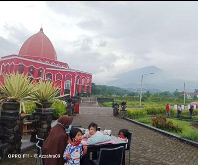 villa-masjid-merah-pandaan-villa-pandaan-view-gunung-Arjuno