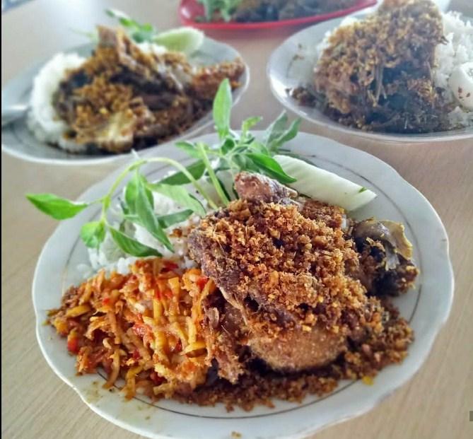 bebek goreng khas surabaya, bebek goreng enak di surabaya, bebek goreng khas surabaya, harga bebek goreng harissa,bebek goreng sinjay surabaya